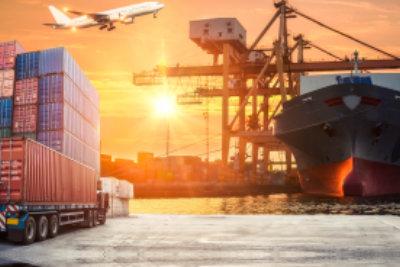 ロジスティックインポートエクスポートコンセプトのコンテナー貨物貨物船