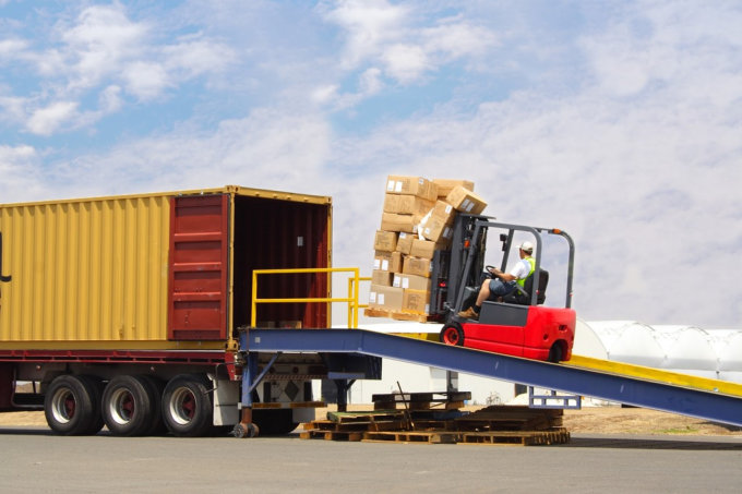 Common Mistakes to Avoid When Choosing a Logistics Provider